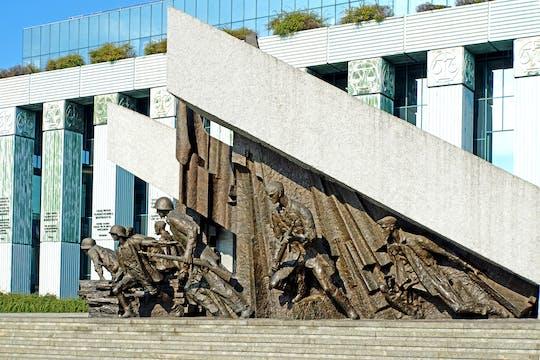 Tour privato del Museo della Rivolta di Varsavia e dei monumenti della Seconda Guerra Mondiale con accesso prioritario