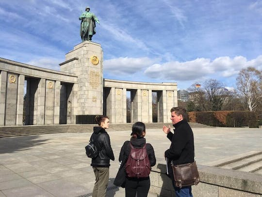 Fast tour of the rise and fall of Hitler's Berlin
