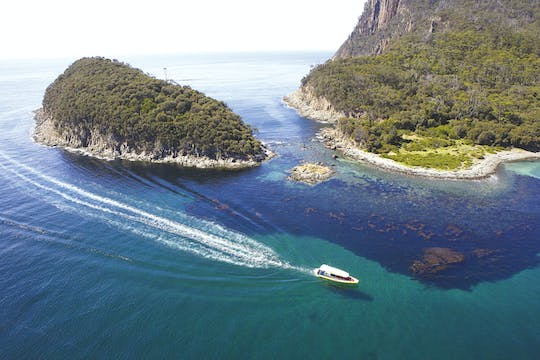 Bruny Island 3 hour cruise with Kettering bus pickup
