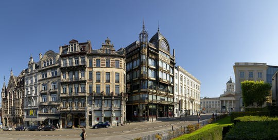 Small-group Art Nouveau walking tour in Brussels