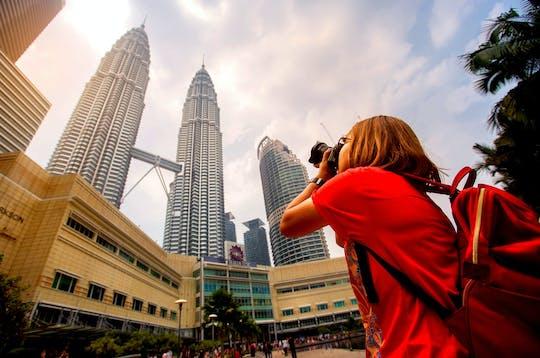 Bilety z ominięciem kolejki do Petronas Tower i bezpłatna wycieczka po mieście z kolacją i pokazem tańca