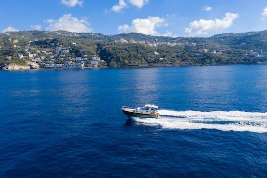 Paseo en barco por Capri desde Sorrento