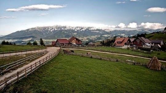 Privébezoek aan een Transsylvanisch dorp en naar Bran Castle vanuit Brasov