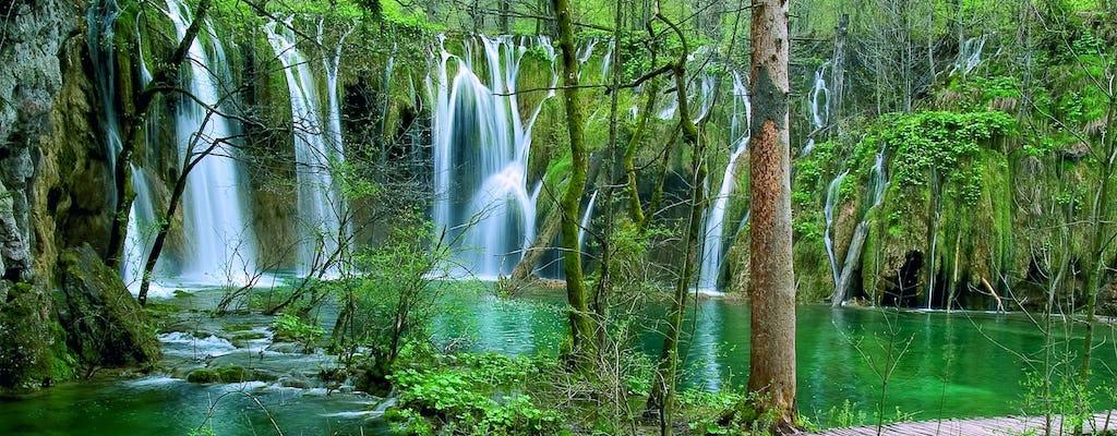 Excursion privée d'une journée au parc national de Plitvice au départ de Zadar