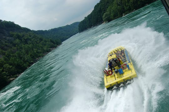 Niagara River Wet Jet boat tour with Canadian Departure