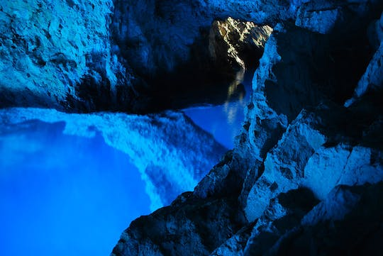 Guided boat tour to the Blue Cave and 5 islands from Split