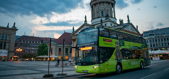 Evening sightseeing tour by bus in Berlin