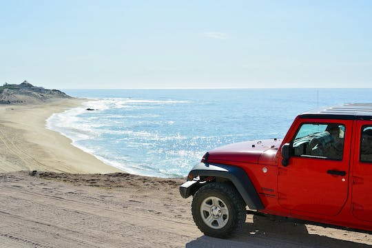 Passeio privativo 4x4 off-road por Cabo Pulmo