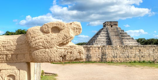 Visita guidata di Chichen Itza all'alba con pranzo a buffet
