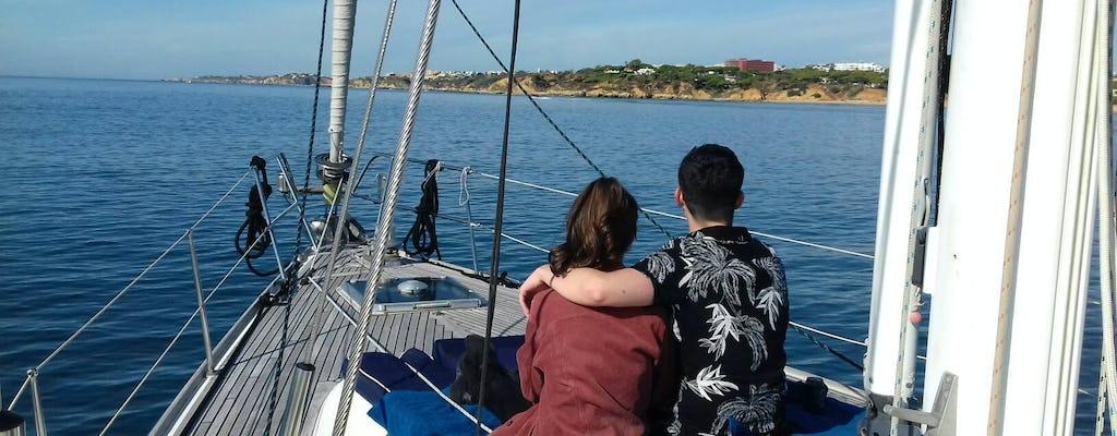 Passeio costeiro de Vilamoura em iate à vela