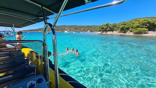 Day tour from Split to the Blue Cave, five islands and Hvar