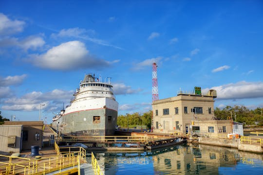 2-hour Segway™ tour along the Welland Canal