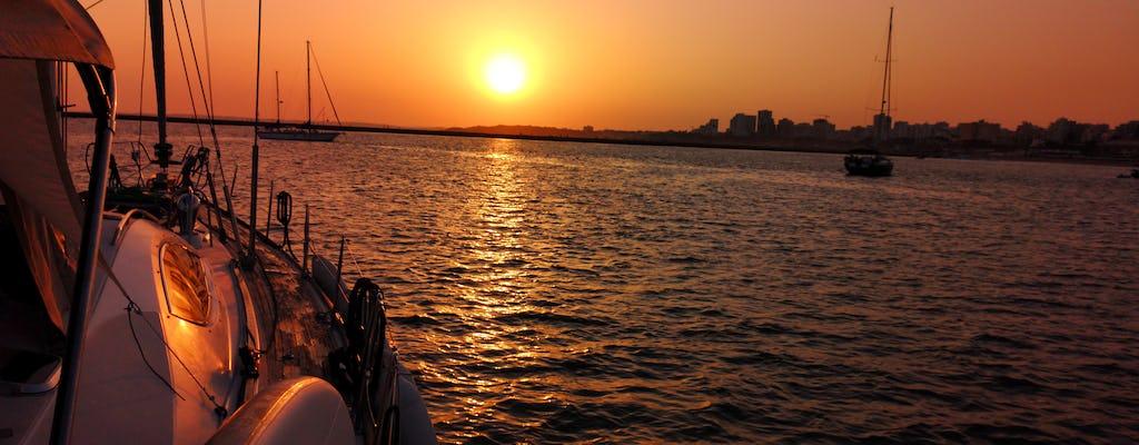 Passeio ao pôr do sol em Vilamoura em iate à vela
