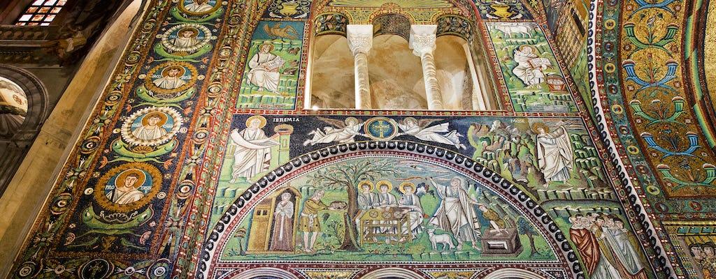 Passeio privado pela cidade de Ravenna e mosaicos com um morador