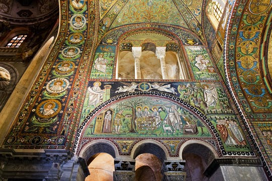 Ravenna city and mosaics private tour with a local