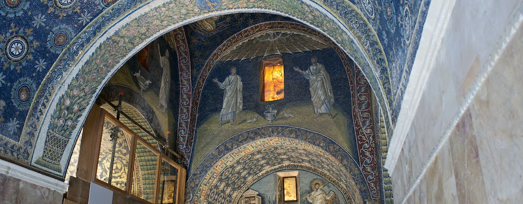 Small-group tour of Ravenna's mosaics with a local