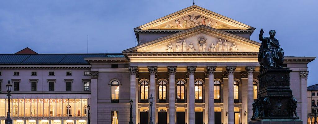 Tour privato a piedi di mezza giornata di Monaco di Baviera con un locale - personalizzato al 100%