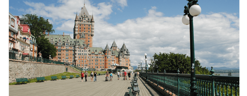 Personalized private tour of Quebec City with a local
