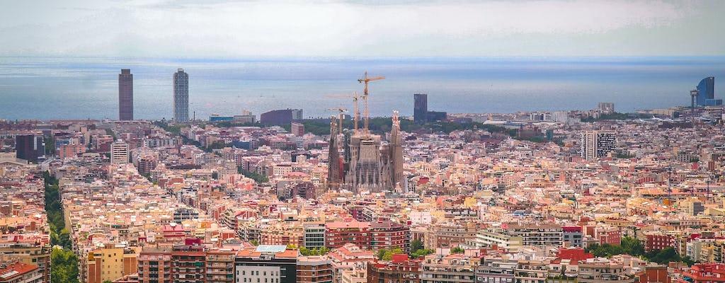 Passeio de helicóptero, passeio a pé e passeio de veleiro em Barcelona