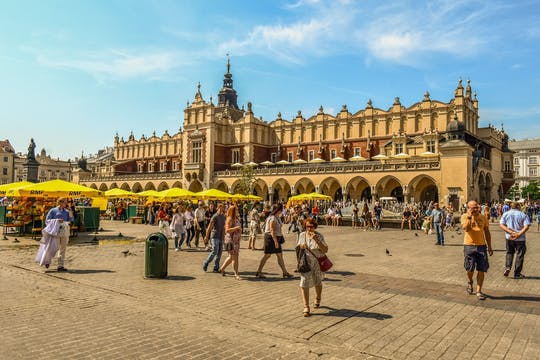 Krakow Old Town private tour with Cloth Hall entrance ticket