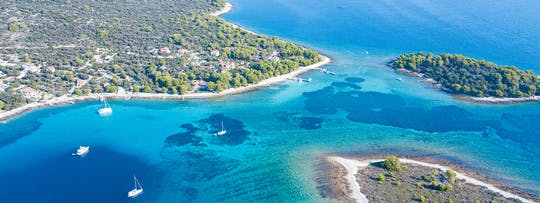 Private tour to Blue Lagoon and 3 Islands from Trogir