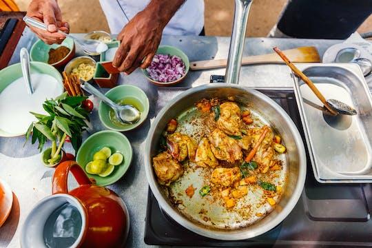 Lekcje gotowania z lokalną rodziną w Kandy
