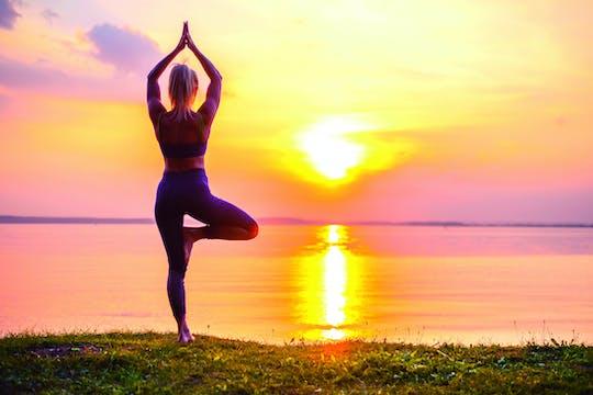 Clase de yoga de medio día y spa en Kandy