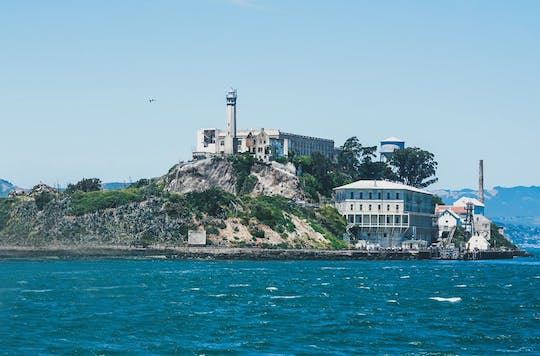 Fisherman's Wharf walking tour & Alcatraz visit