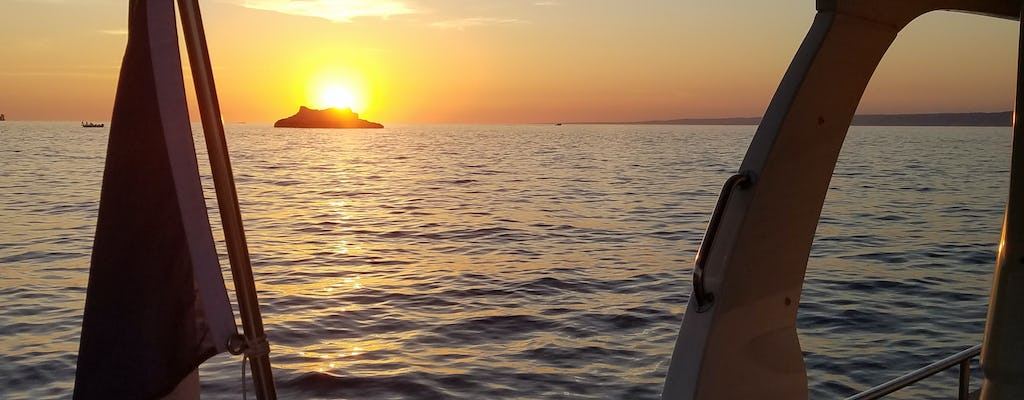 Eco-friendly sunset cruise from Marseille to the Frioul Islands