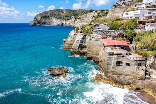 Bootsfahrt um die Insel Ischia mit Mittagessen