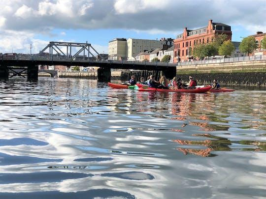 Esperienza di kayak guidata nella città di Cork