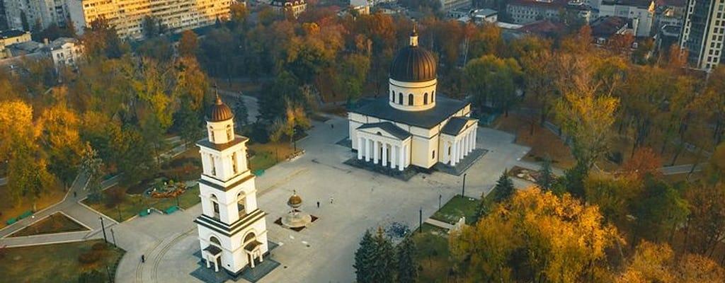 Tour privado de los secretos de los patios de Chisinau