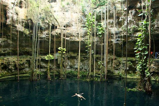 Chichen Itza , Oxman and Ik Kil cenotes guided tour with lunch