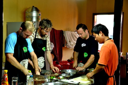 Guided walking tour of Hoi An with cooking class