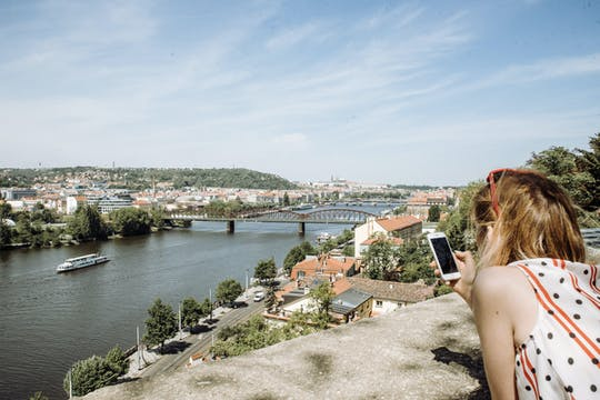 Profitez d'une visite personnalisée d'une demi-journée à Prague avec un local