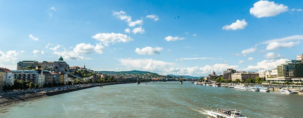 Dai il via al tuo viaggio a Budapest con un tour locale, privato e personalizzato