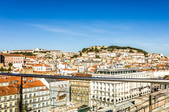 Enjoy a personalized half-day tour in Lisbon with a local
