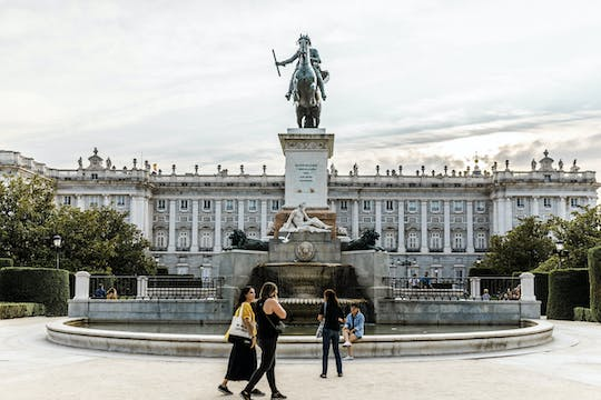 Enjoy a personalized half-day tour in Madrid with a local