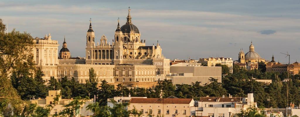 Dai il via al tuo viaggio a Madrid con un tour locale, privato e personalizzato