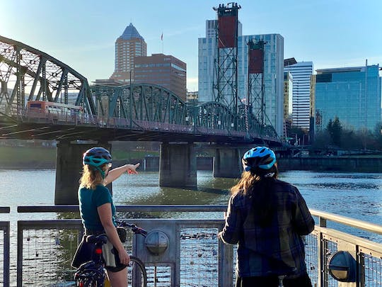 Portland bike and local food carts tour