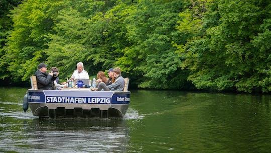 Tour in motoscafo nella foresta lungo il fiume di Lipsia