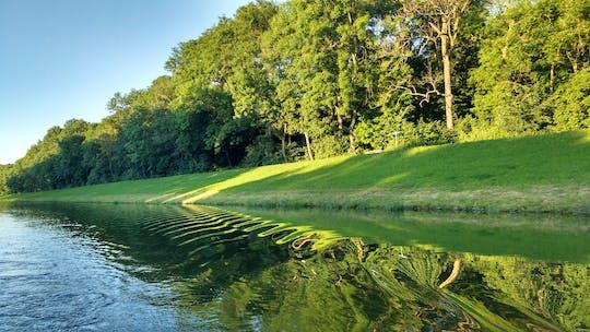 Wycieczka łodzią motorową nad rzeką z toru wyścigowego w Lipsku