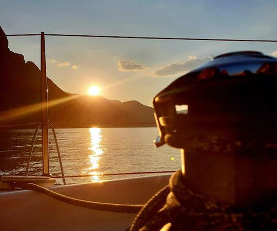 Sunset sailing experience on Lake Como