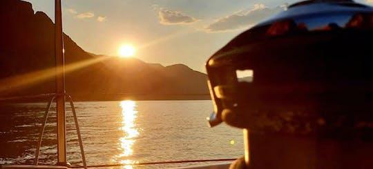 Esperienza di navigazione al tramonto sul Lago di Como