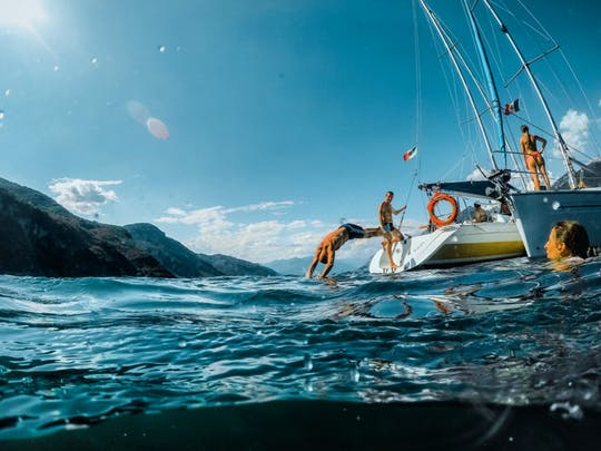 Esperienza di navigazione di mezza giornata sul Lago di Como