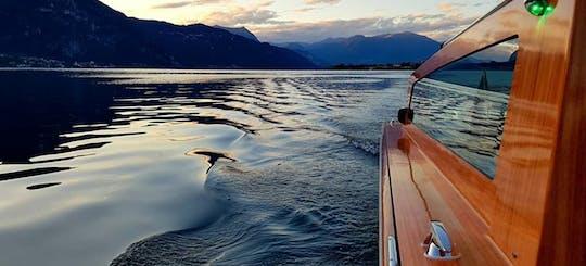 Giro in barca in stile veneziano delle ville sul Lago di Como