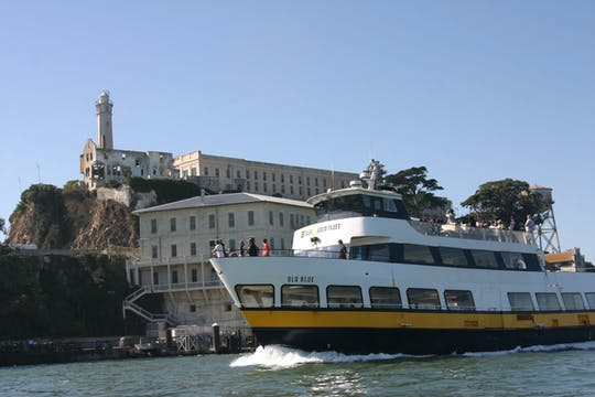 Escape from the Rock boat tour