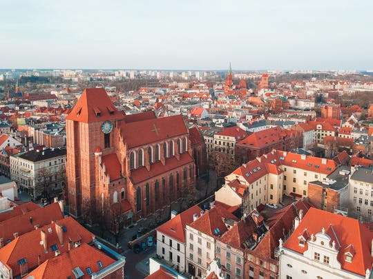 Old Town and Teutonic Castle tour with Living Museum of Gingerbread ticket