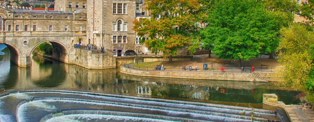 Admire the highlights of Bath on a self-guided audio walk of the canal