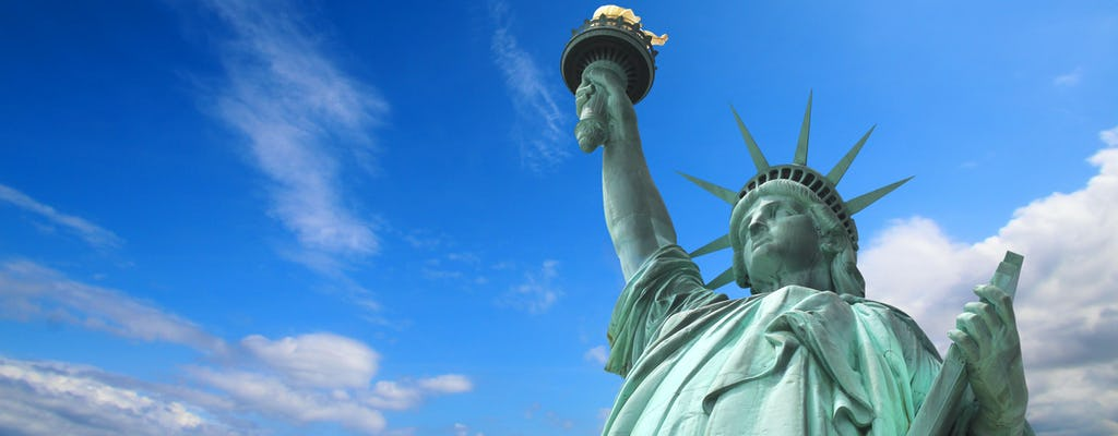 Statue of Liberty and Ellis Island Reserve Ticket with Self-Guided Downtown Tour